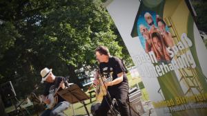 Cats´n Pipes spielten erstes Samstags-Sommerkonzert