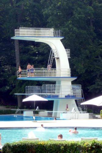 10 Meter Sprungturm wieder frei